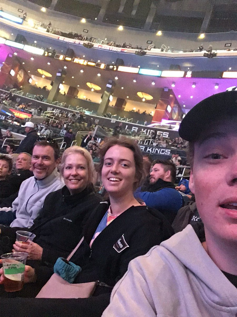 #deltakingsfancontest aussies at the ice hockey 🏒 carn the kings https://t.co/dbF17p1tGF