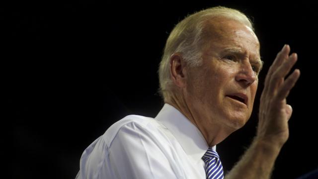 Joe Biden: Americans are 'living through a battle for the soul of this nation' https://t.co/yWZ0E5EvOz https://t.co/zaTGrKCRBw