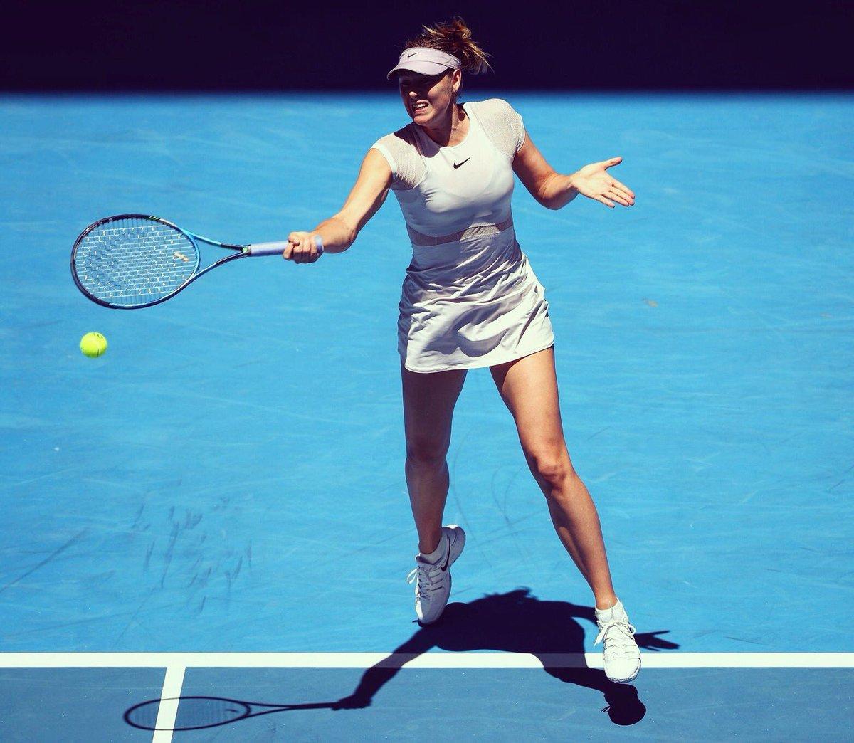 RT @MariaSharapova: Round 1 👊🏻 #AusOpen ❤️ This Dress https://t.co/d7MXpsE461