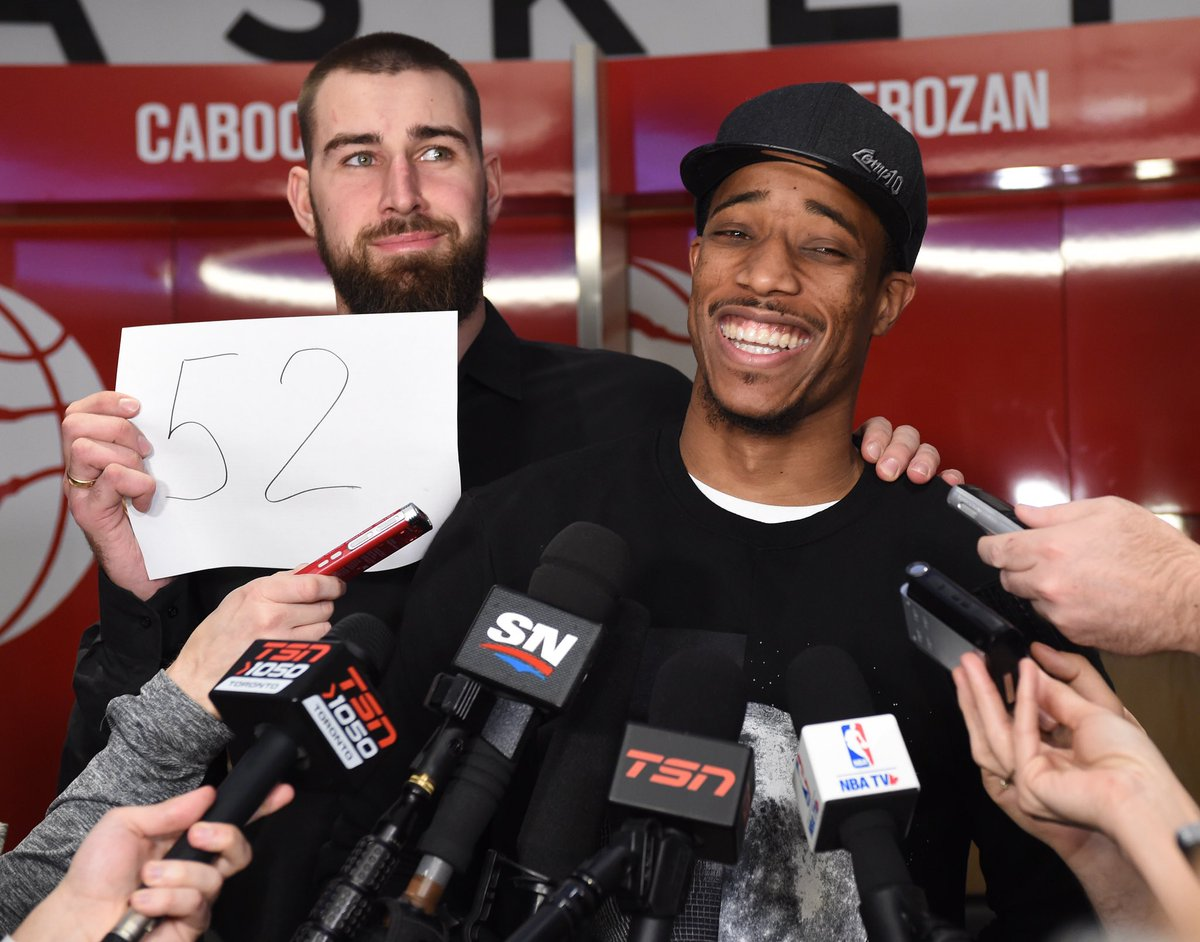 RT @Raptors: 52 MINUTES LEFT TO RETWEET THIS!  1 Retweet = 1 #NBAVote for @DeMar_DeRozan https://t.co/T5SAkHLzXW
