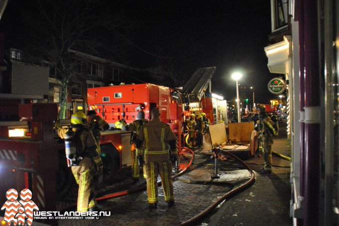 Grote brand in studentenflat Buitenwatersloot https://t.co/EHQNIjPdEo https://t.co/Tfn28mczZD