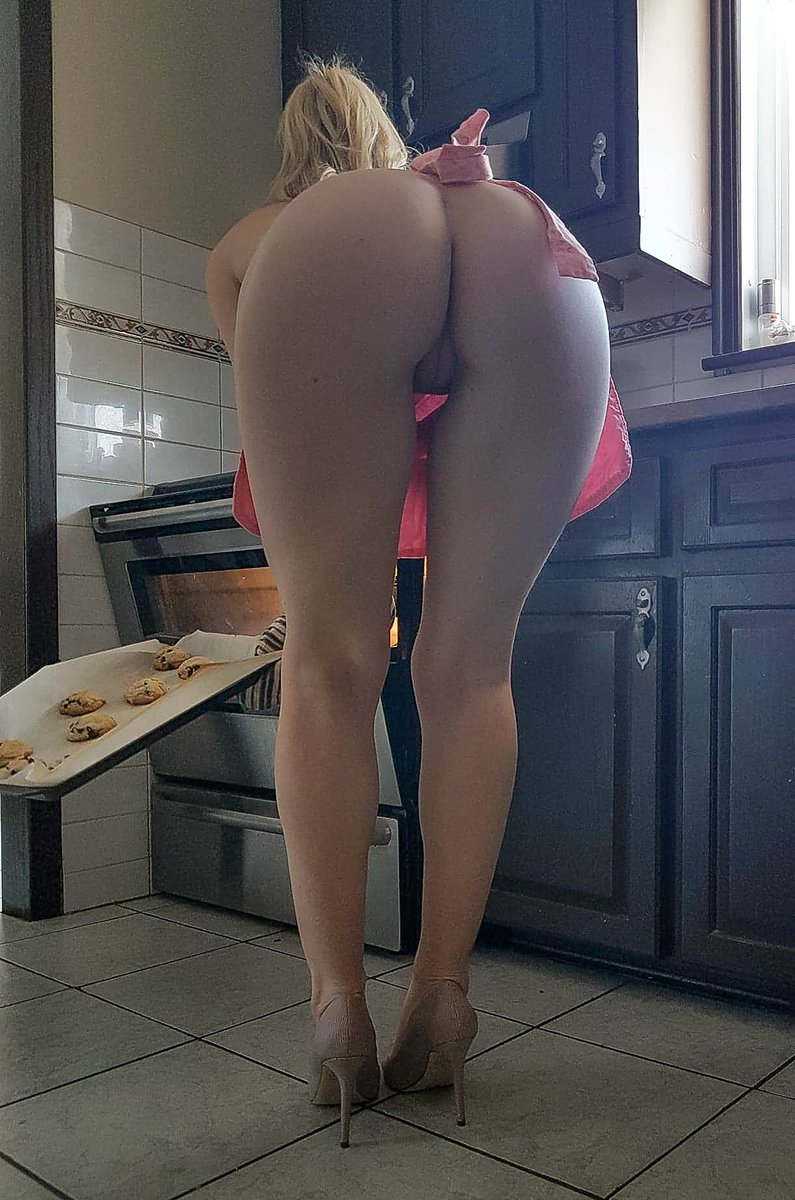 RT @peliculasporno1: RT videosdemaduras: #diainternacionaldelacroqueta ,  mamá es de las que saben cocinar 😂 https://t.co/nuhJyw44q6