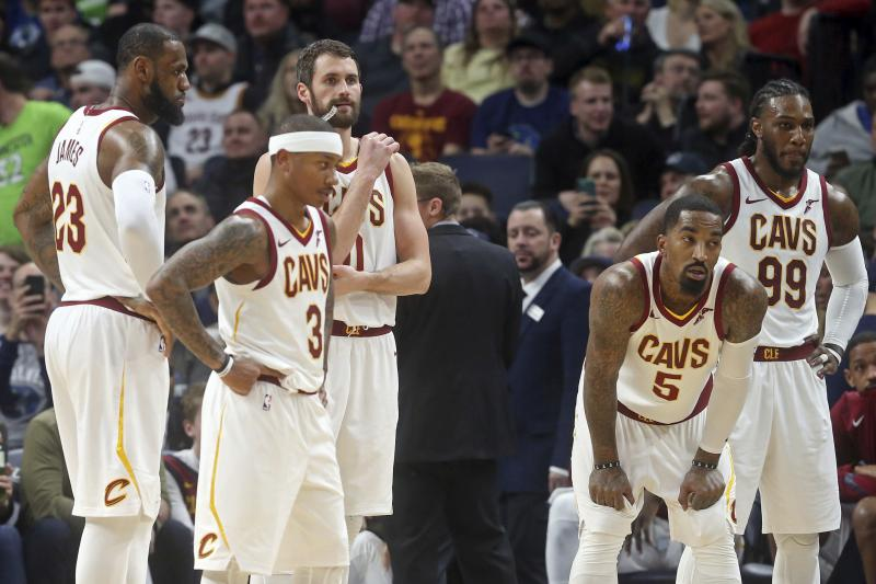 Multiple Cavs players doubt the team can win the title with current roster, per @mcten https://t.co/TbABqSAy5U https://t.co/6zb8obUOr1