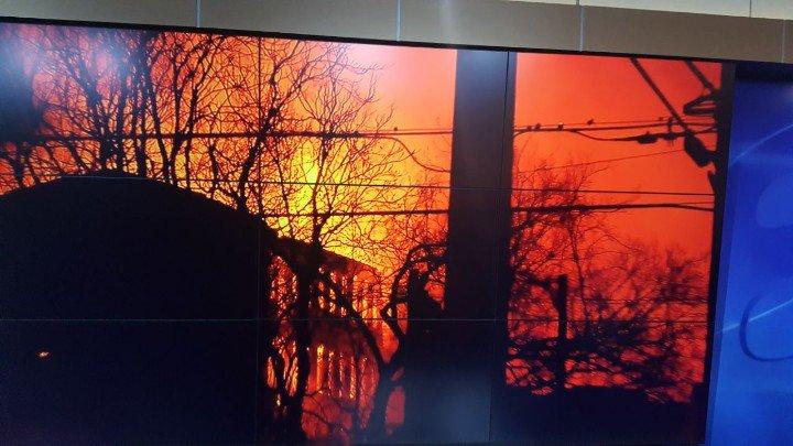 Breaking News!   Massive fire on High Street in Petersburg.   @Talya8news is on the scene.  #RVA #GMRVA https://t.co/aJumBGLn0s