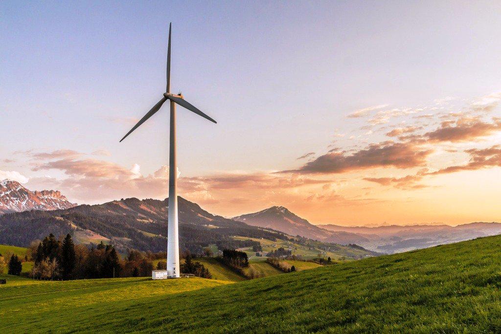Equilibrar la energía industrial, la solicitud que hace la CEOE https://t.co/GiQhM4Wi4l https://t.co/k7p0TLiBaE