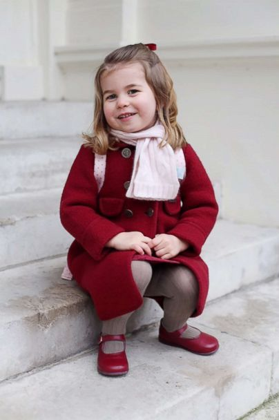 Princess Charlotte, 2, is the boss of her older brother, 4-year-old Prince George: https://t.co/soRNNKqnPy https://t.co/4gvfvYIzhR