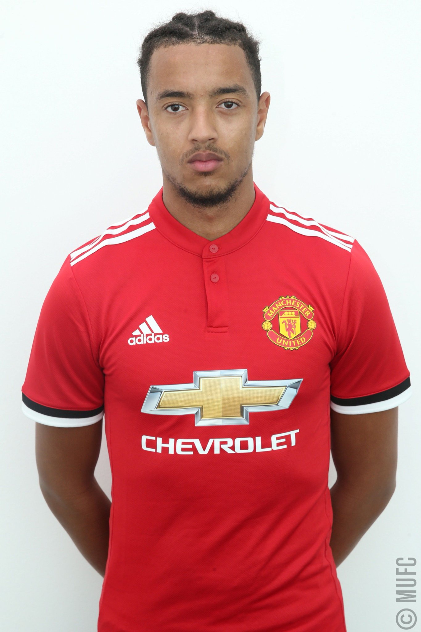 Cameron Borthwick-Jackson has returned to #MUFC following his loan spell at Leeds United. https://t.co/qIzIS1In1M