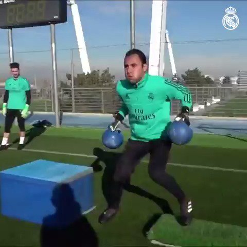 ����♂️��️♂️ Experience some of the drills our goalkeepers are put through at #RMCity! https://t.co/43KpBNM0kr