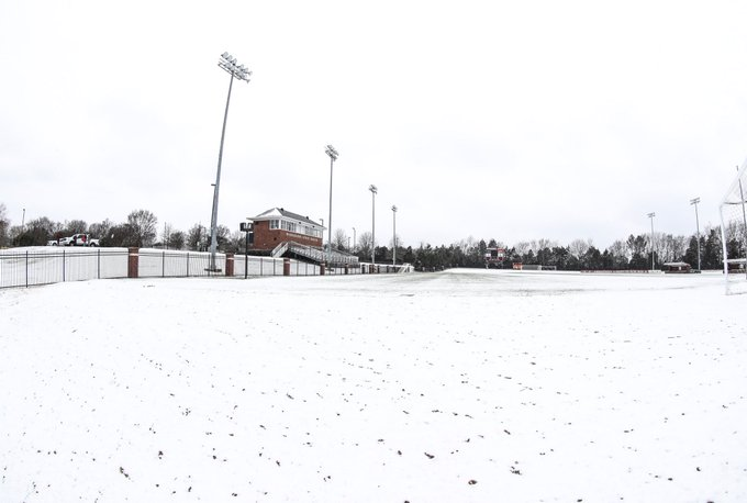 RT @HailStateSOC: Stay warm out there, Bulldogs! ❄️☃️  #HailState https://t.co/geVGLUmNvh