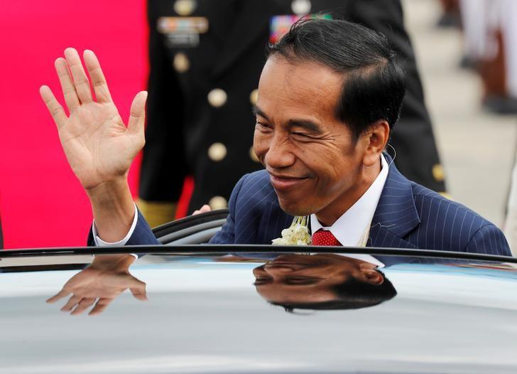 Indonesian president replaces social affairs minister in modest reshuffle