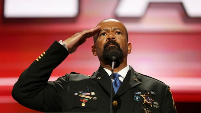 Ex-Sheriff David Clarke: Trump is the only person who 'cares about black American citizens' https://t.co/81ryyrHt1j https://t.co/UJI8uAgHxe