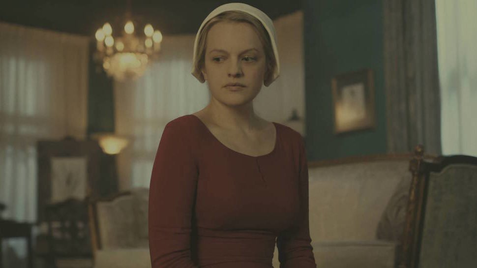 ICYMI, #TheHandmaidsTale S2 trailer shows Offred burning down the patriarchy: https://t.co/KmtH9hq58E https://t.co/VaNXE9u1Hs