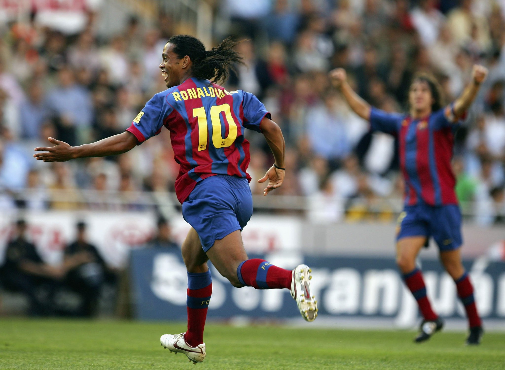 ���� Ronaldinho: 'I've been lucky to win it all, I am fulfilled - the memories are unforgettable.' �� #UCL https://t.co/HkEGHLsiRN