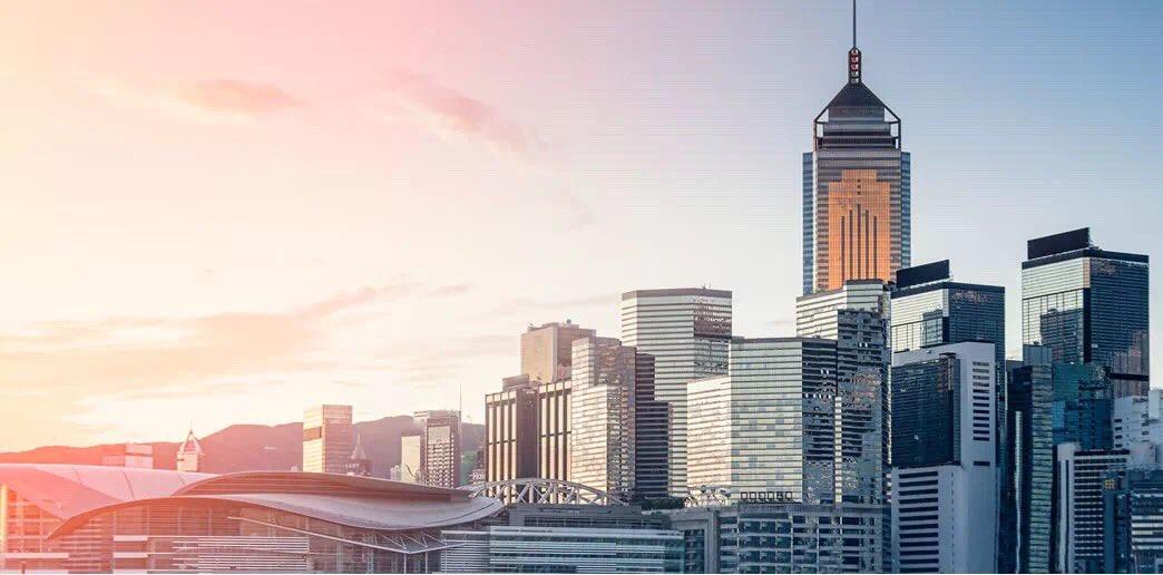 香港證券市場今日創下三項新紀錄:證券市場總市值達36.17萬億港元、恒生指數創31983.41點新高、深港通北向交易亦錄得人民幣96億元的新成交紀錄。 https://t.co/SZodT0wTNJ