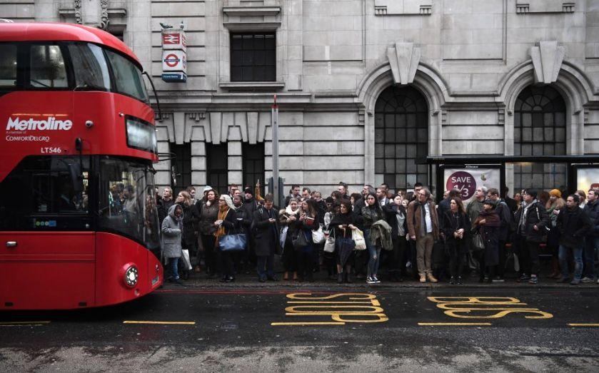 Mayor Sadiq Khan unveils London Licence to safeguard bus driver pay https://t.co/zlECoH77tn https://t.co/qvzlfaGZ4p