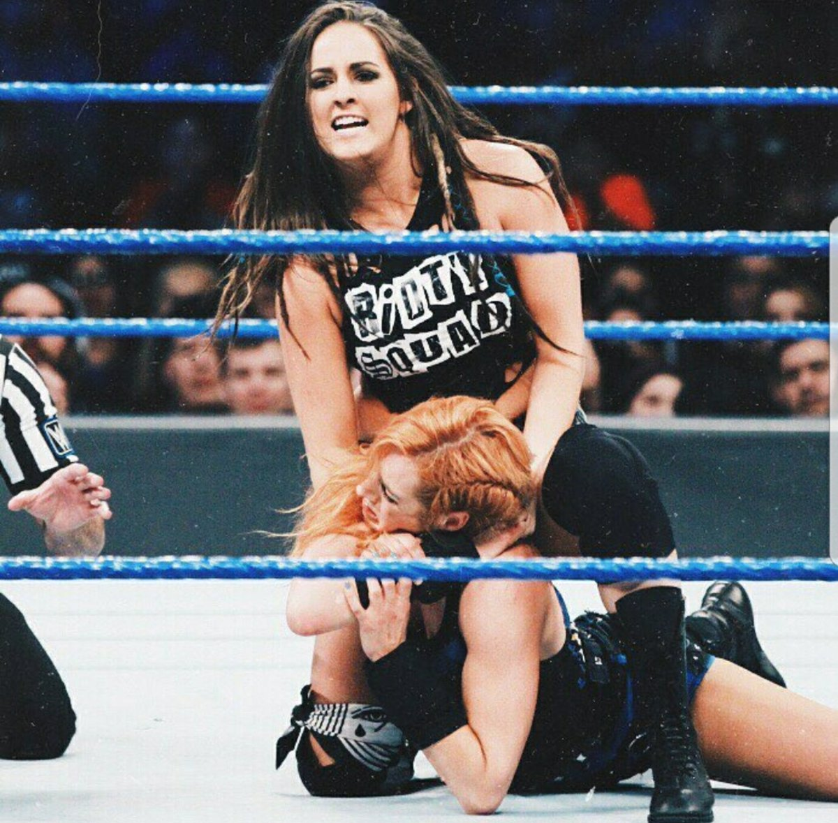 We're in the hurting business and right now on #SDLive, business is booming. #RiottSquad #hunter #borninthewoods #kentucky https://t.co/fAVgoiFjbJ