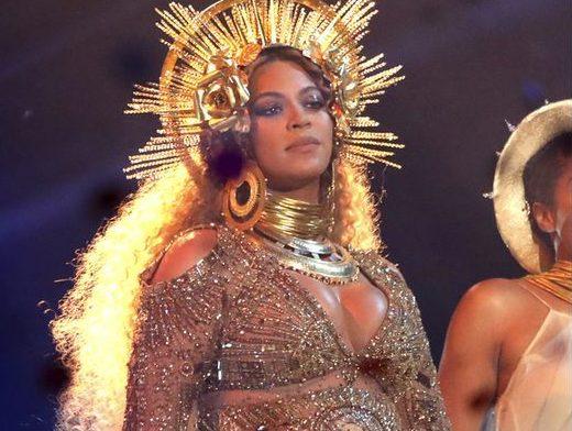 A look back at shocking Grammy fashion through the decades