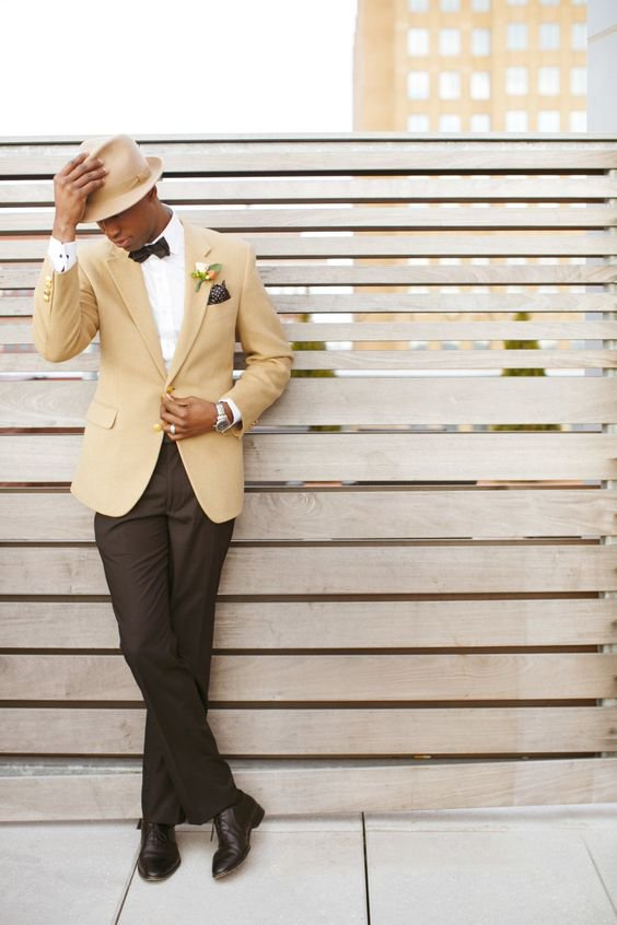 A stylish groom that makes our hearts SWOOOOOOOON. #PWGbrides #weddingplanning https://t.co/a06pz8ZW6K