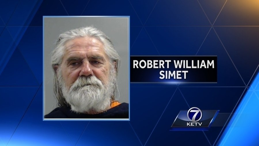 Man pleads guilty to threatening Sen. Joni Ernst