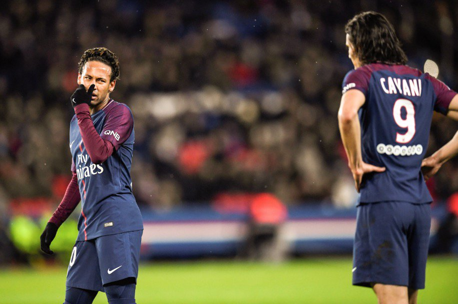 test Twitter Media - @neymarjr Neymar was still booed for not letting his teammate Edinson Cavani take a penalty kick that could have made him PSG's all-time leading scorer https://t.co/JKVlIvcKw7 https://t.co/X7VbMQJyry