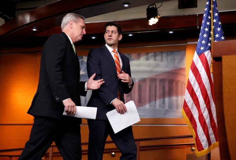 White House backs short-term government funding bill