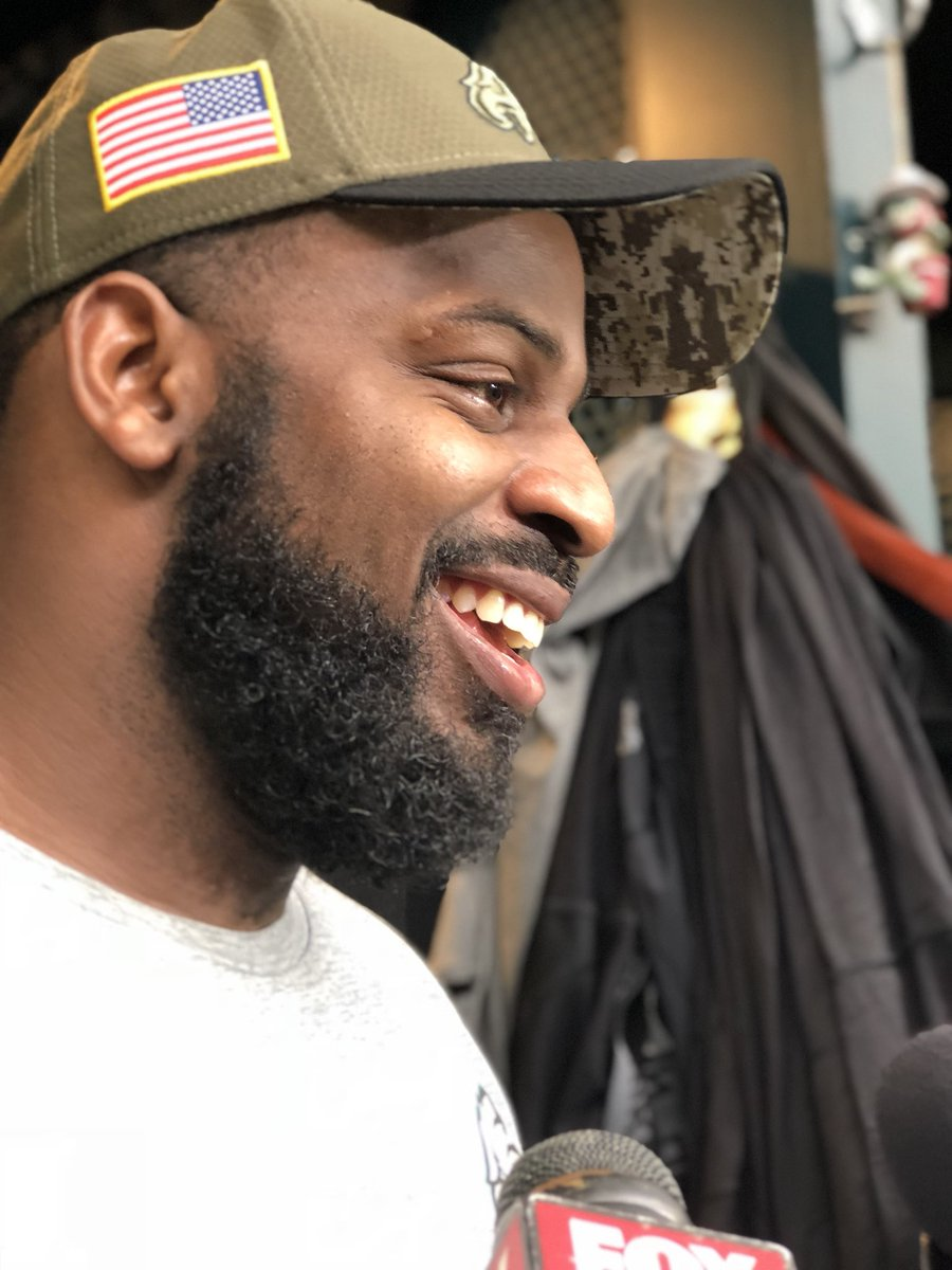 """""""He's slippery. Remind me of Russell Wilson.""""   @fcoxx_91 on what he sees from Case Keenum.    @FOX29philly #FlyEaglesFly https://t.co/nXw25aP36f"""