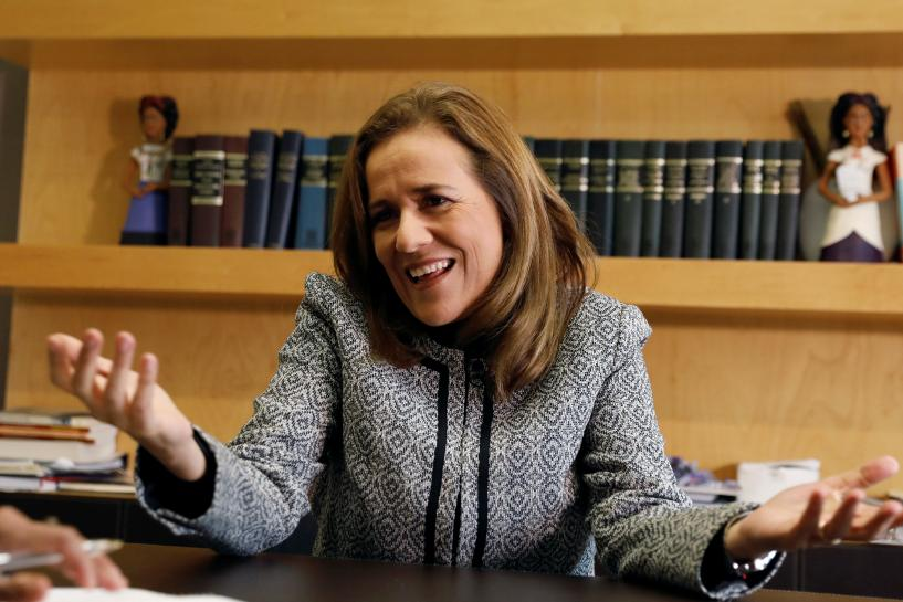 Mexico ex-first lady would end husband's army policy if elected https://t.co/V2W4fGEmG8 https://t.co/Hjx5xUonmc