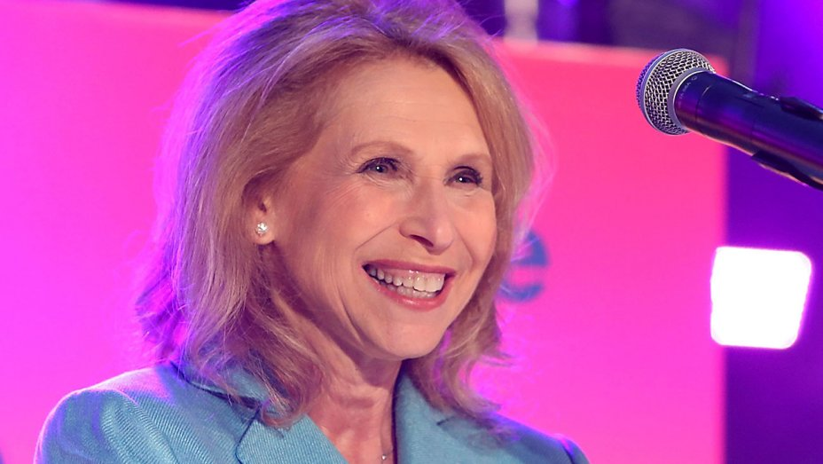 Report: Shari Redstone pushing for new board at CBS