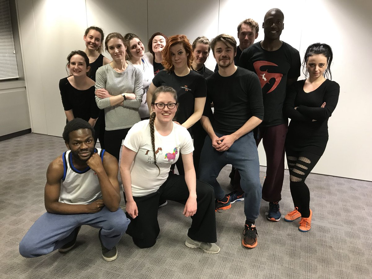 Our awesome unarmed stage combat students kicking ass tonight!  #ActingHour #AHevents #stagecombat #actorslife https://t.co/7IXbsN4tiH