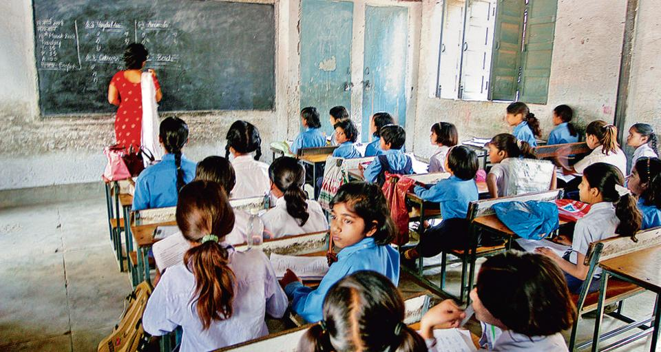 Parents may watch students in Delhi govt schools live on mobile phones