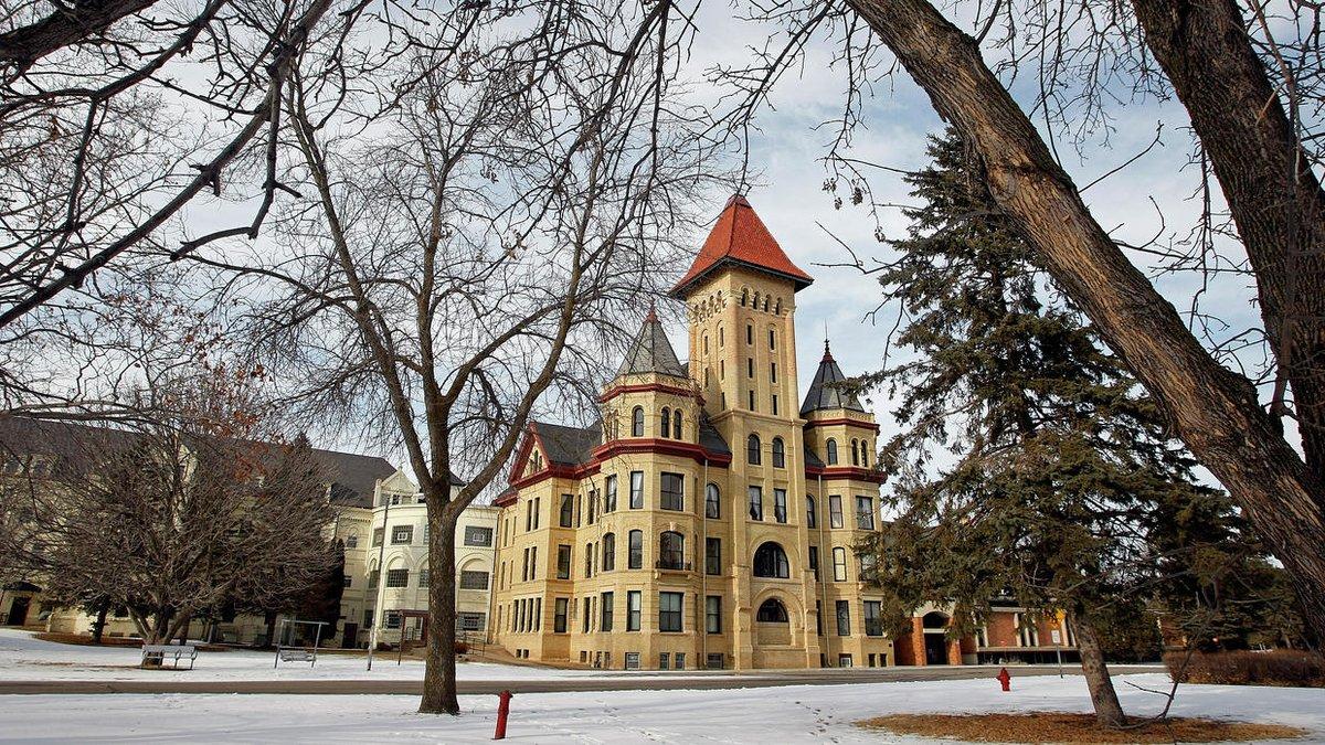 Fergus Falls seeks $8.9 million for demolition at former mental hospital campus https://t.co/sRJvHJbRdf https://t.co/CQPW7PB5zI