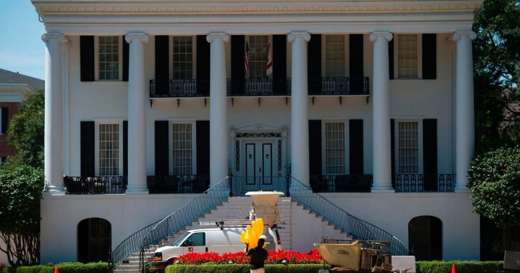 University of Alabama student leaves school after video using racial slur goes viral