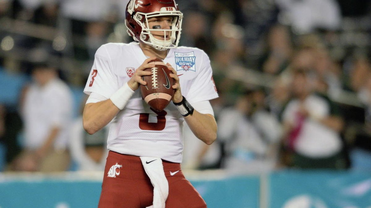 Less than month after starting in bowl game, Washington State QB commits suicide, police say https://t.co/Qm9F2bASQT https://t.co/xYgFH8KbYH