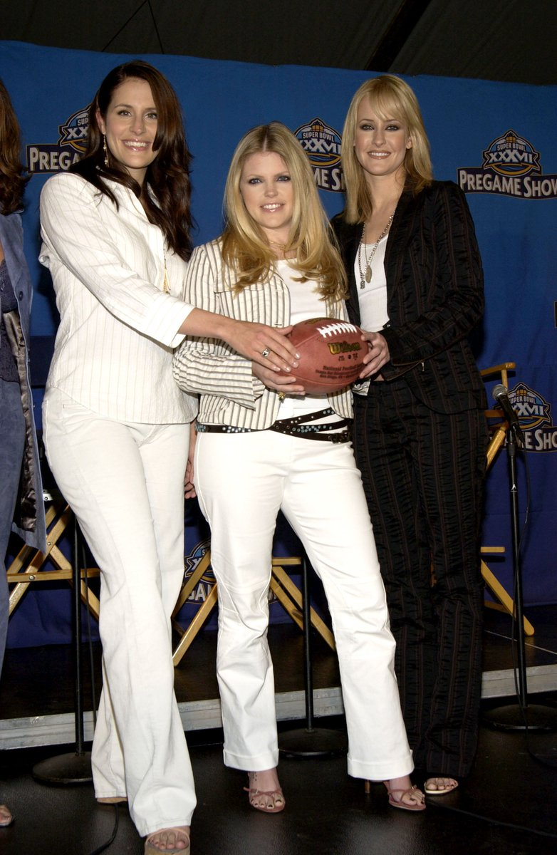 test Twitter Media - In honor of this weekend's big game.... here's a #TBT from the Super Bowl XXXVII press conference to announce Dixie Chicks as the National Anthem performers. https://t.co/VaePHiaCKy