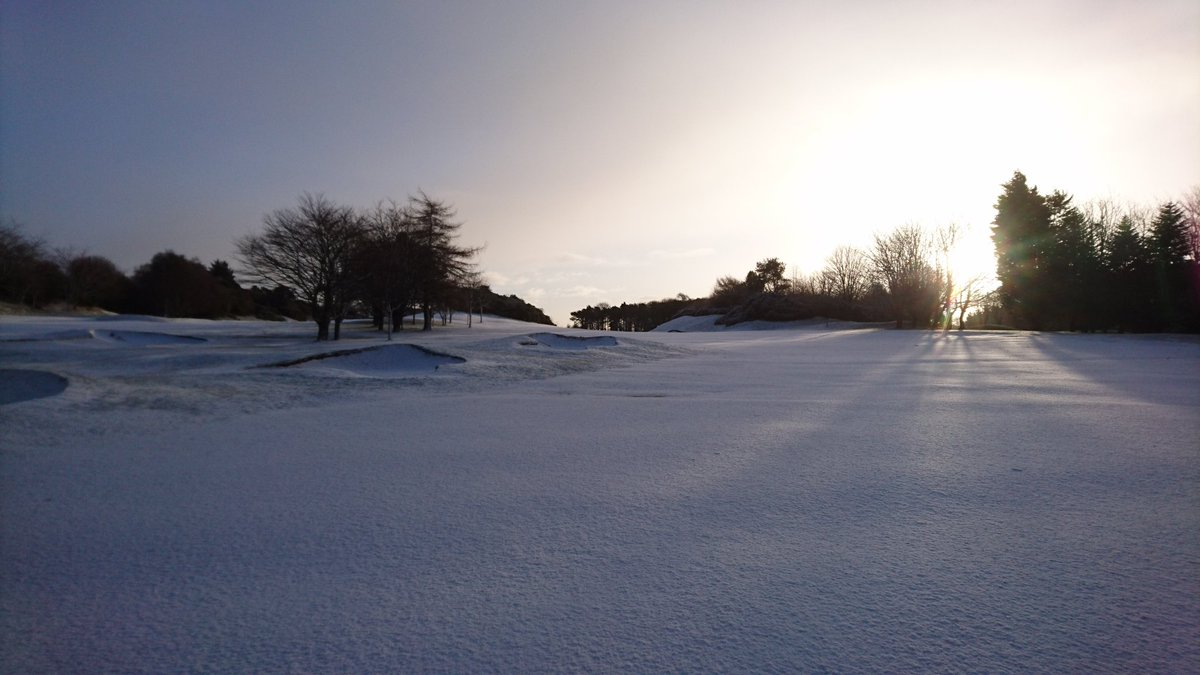 test Twitter Media - A bit surprised by the amount of snow that fell this morning. All paths and golfing routes are covered by snow, so Course Closed at the moment. Will monitor conditions and update if any changes. https://t.co/DsT434DU1m