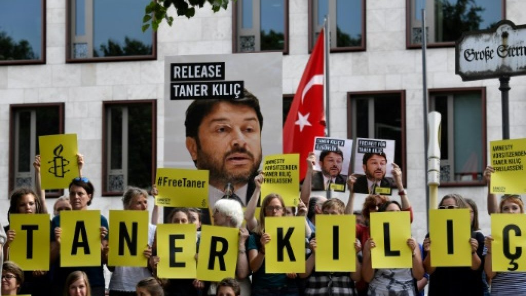 Turkey court orders release of local Amnesty chief