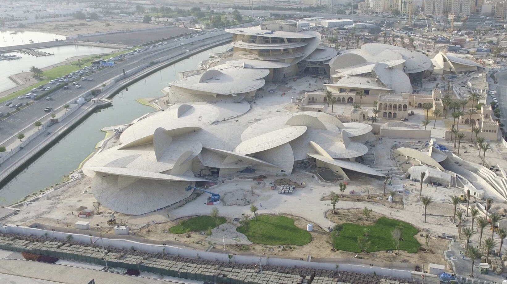 The National Museum of Qatar will showcase the past, present and future of #Qatar to the visitors and the upcoming generations. #NMoQ https://t.co/wVVPPXn4xg