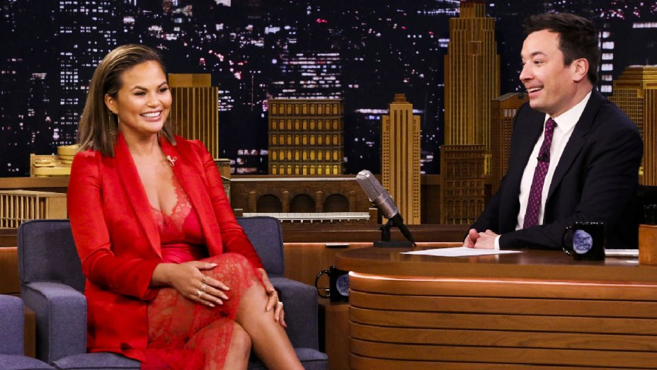 .@ChrissyTeigen got on her knees and called Beyonce a queen at the