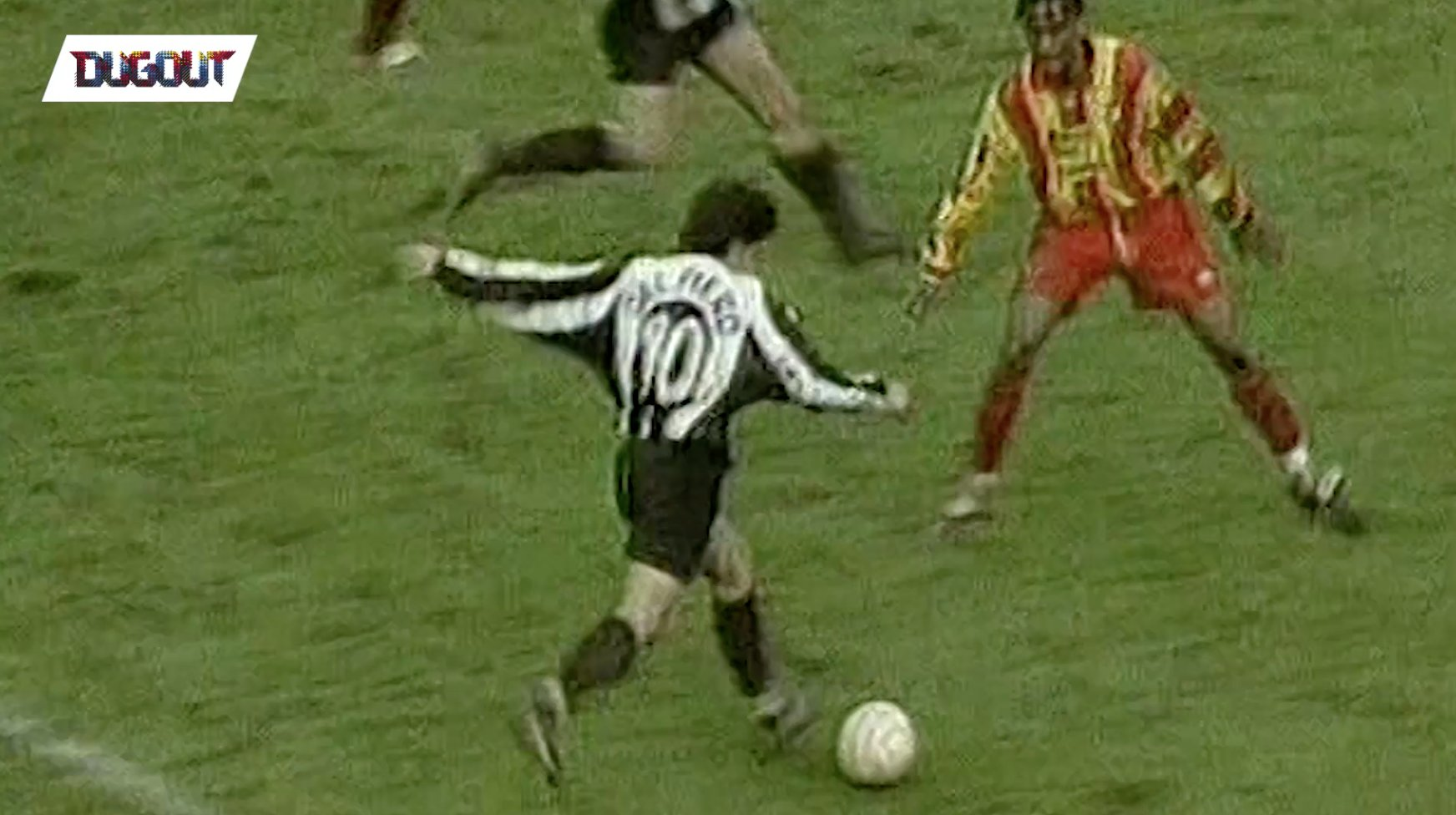 ⚽️ #GoalOfTheDay 🗓 01.02.1998 👏 @delpieroale 🆚 @lecce_official 🏆 @SerieA_TIM 🙌 Powered by @Dugout 🏳️🏴 #FinoAllaFine https://t.co/SICjiueHAK