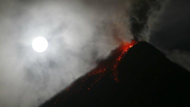 Lava spreads more than three kilometres from Philippine volcano