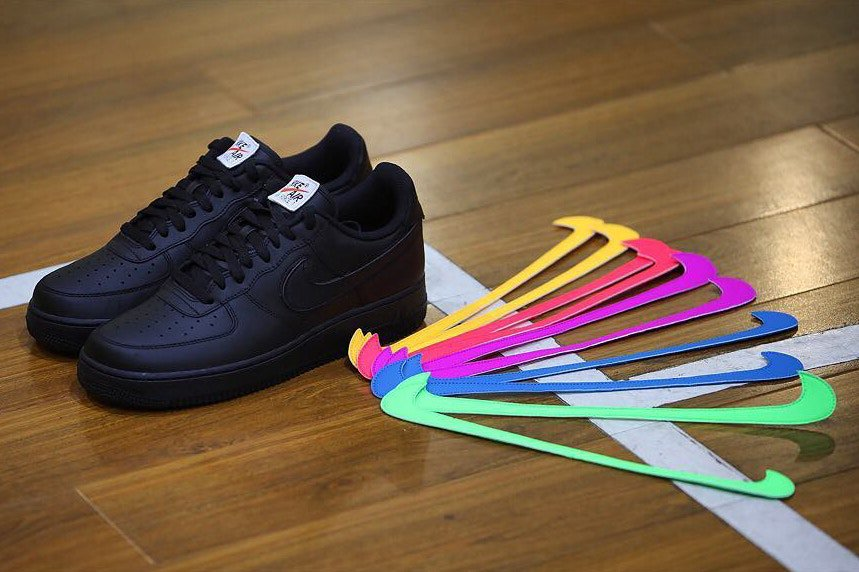 #LordzOutfits Bientôt, vous pourrez customiser vos Air Force One avec des Swoosh Interchangeables 🔥🔥 https://t.co/vejxNoFETE