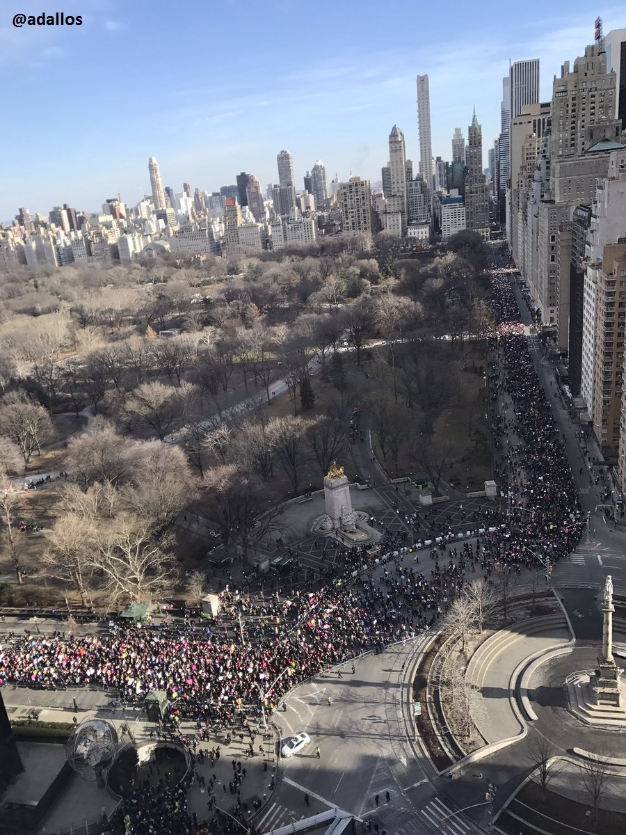 #WomensMarch2018 in Manhattan as marchers wrapped around Central Park at Columbus Circle - @adallos https://t.co/uePKVZLuuA