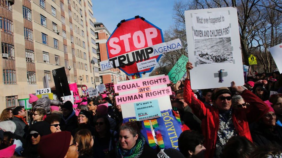 Thousands of demonstrators turn out for second Women's March https://t.co/UFauEak9j4 https://t.co/b3wMG7g0BF