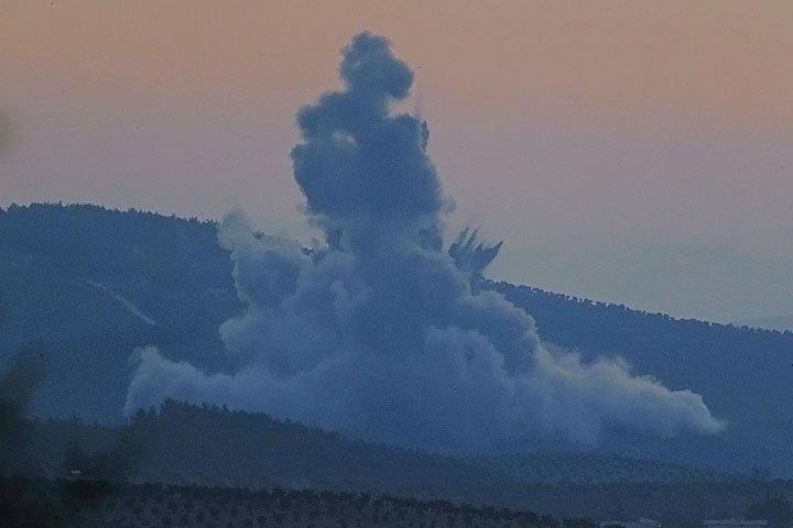 @BroadcastImagem: Turquia inicia ataque aéreo em Afrin, na Síria, contra milícias curdas. Lefteris Pitarakis/AP