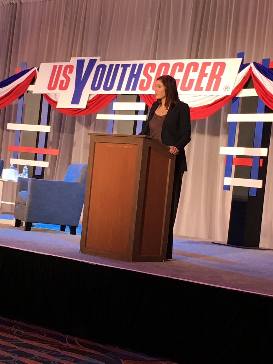 @hope solo at #USSF presidential forum #PHL18 https://t.co/d9zNaxNW5q