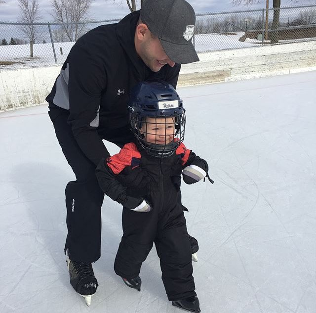 No better way to celebrate #HDM2018 than by testing out his new blades during his first skate! https://t.co/Mn0pp9FuLE