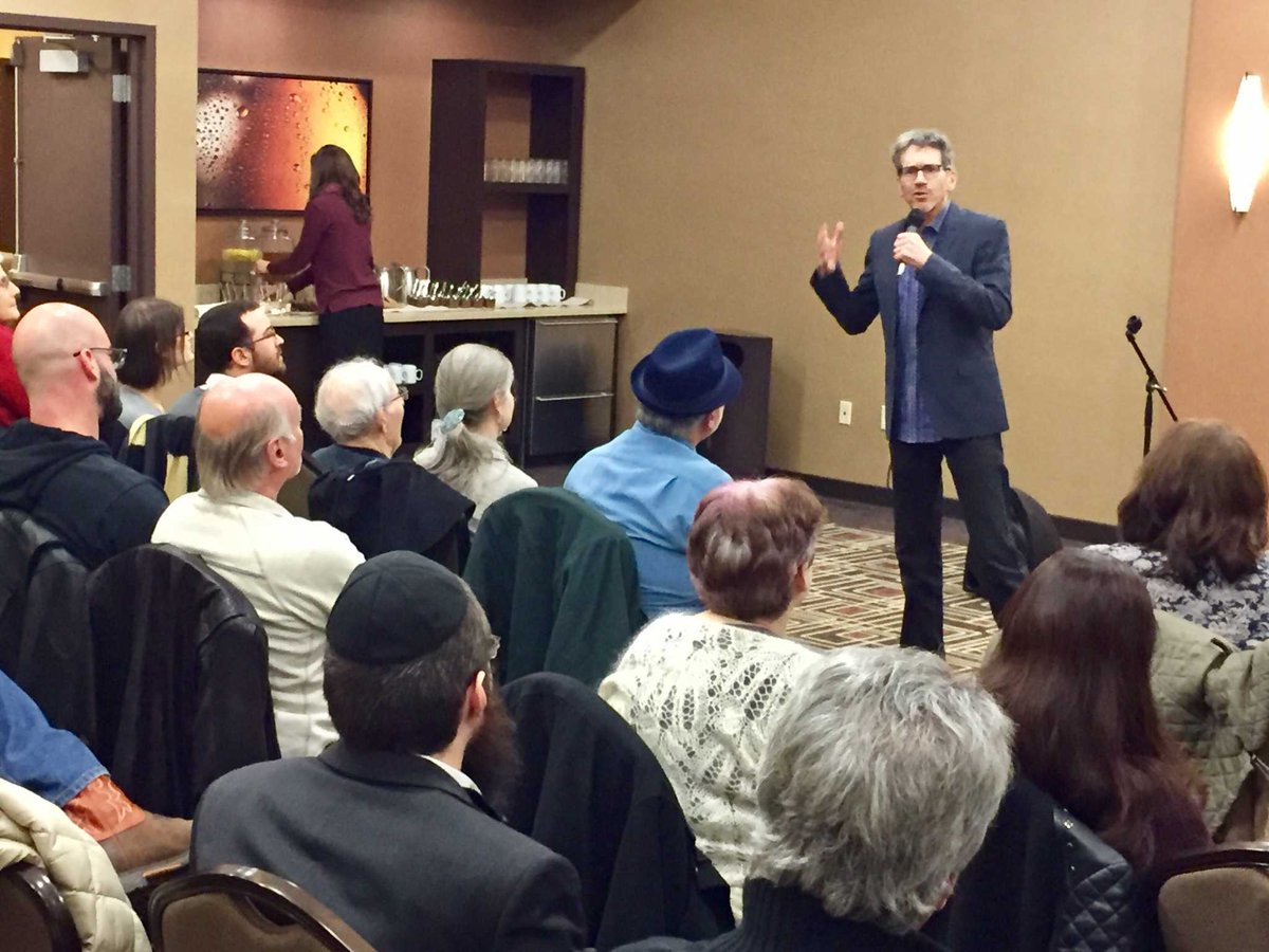 Hollywood screenwriter passes wisdom at event in The Woodlands