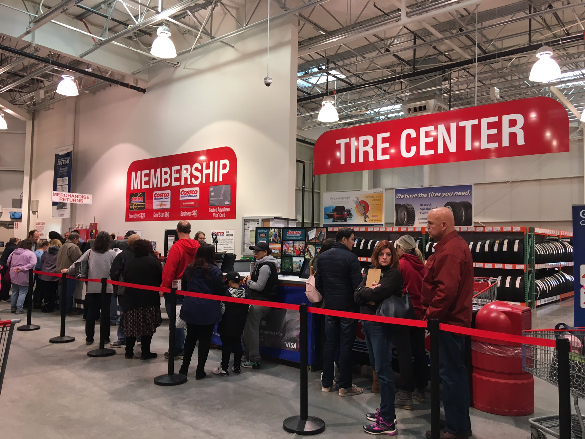 ((Fun Fact: Costco is currently overwhelmed with overflow of Sam's Club Refugees trying to become members.)) https://t.co/Rr3E7QJN1X