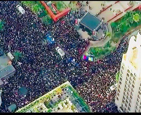 A half a million marched in Los Angeles today! WOW! #WomensMarch2018 https://t.co/lGeu3R77zf