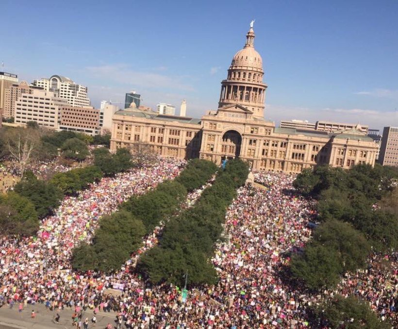 Austin, TX broke the record for largest gathering in Texas history. #WomensMarch2018 https://t.co/0RHx6s3fGz